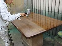 ウレタンフラット塗料を吹き付ける